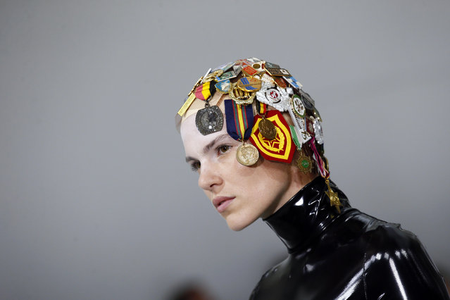 A model displays a creation by Belgian fashion designers An Vandevorst and Filip Arickx during the presentation of the A.F. Vandevorst Haute Couture Fall/Winter 2017/2018 fashion collection in Paris, Sunday, July 2, 2017. (Photo by Francois Mori/AP Photo)
