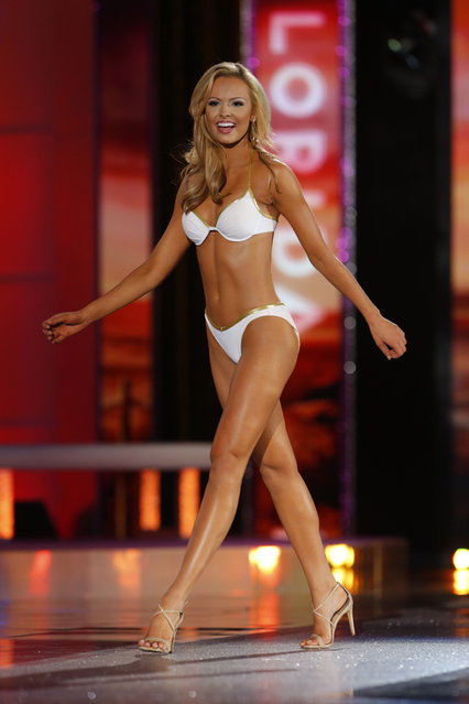 Miss Florida Mary Katherine Fechtel competes in the swimsuit competition during the 2016 Miss America pageant, Sunday, September 13, 2015, in Atlantic City, N.J. (Photo by Noah K. Murray/AP Photo)