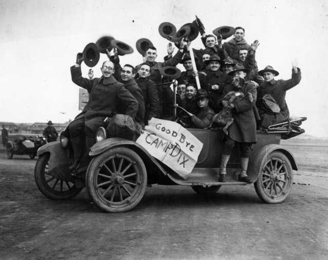 American soldiers leaving Camp Dix, New Jersey, after the end of World War I, 1918. (Photo by MPI/Getty Images)