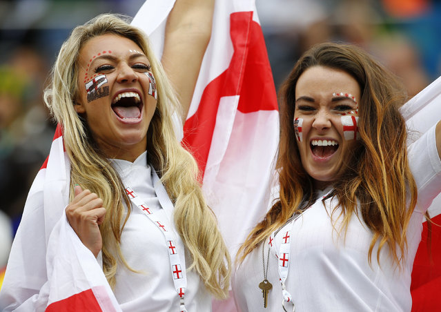 England fans cheer before the 2014 World Cup Group D soccer match between Uruguay and England at the Corinthians arena in Sao Paulo June 19, 2014. (Photo by Damir Sagolj/Reuters)