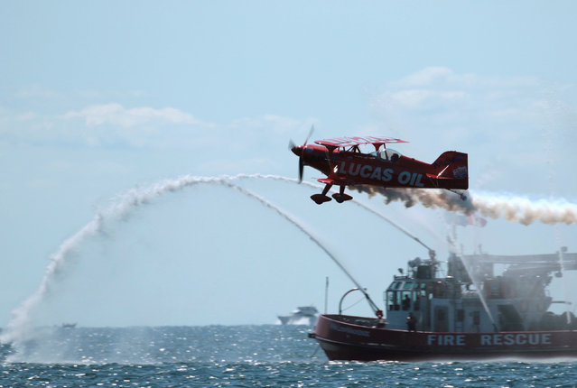 Mike Wiskus and the Lucas Oil Pitts Special performs at the Canadian International Air Show, in Toronto, Ontario, Canada, September 3, 2016. (Photo by Louis Nastro/Reuters)