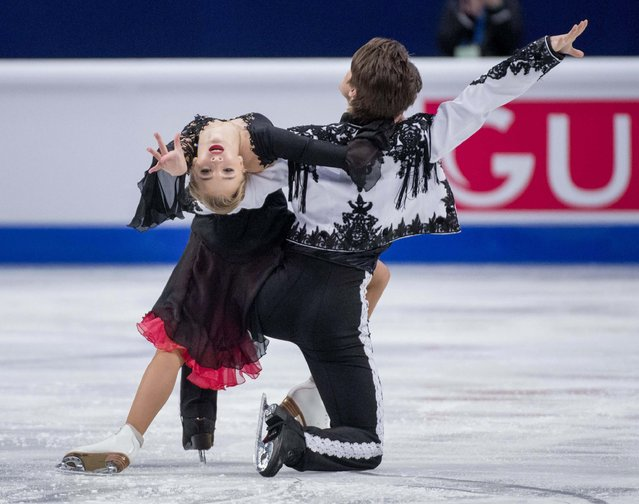 Russia's Alexandra Stepanova and Ivan Bukin perform during the pairs short dance program at the ISU European Figure Skating Championships in Stockholm January 28, 2015. (Photo by Jessica Gow/Reuters/TT News Agency)