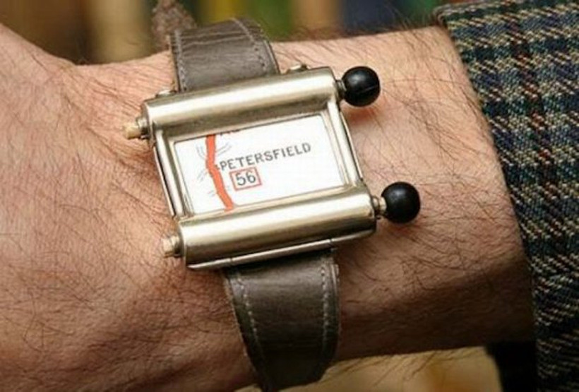 Plus Fours Routefinder – Worlds First Navigation System