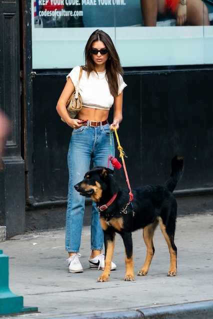 Emily Ratajkowski is seen in NoHo on September 22, 2019 in New York City. (Photo by TheStewartofNY/GC Images)