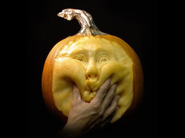 Pumpkin Carving - Amazing Work of Art by Ray Villafane
