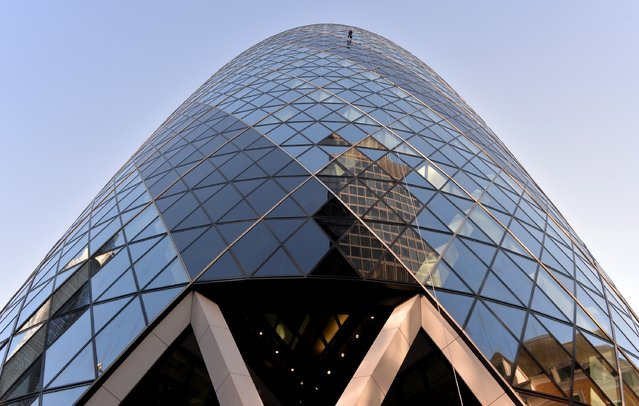 Rupert Atkin, CEO Talbot Underwriting abseils down the Gherkin during the Outward Bound Trust's and the Royal Navy and Royal Marines Charity's most daring stunt: The City Three Peaks Challenge on September 7, 2015 in London, England. (Photo by Anthony Harvey/Getty Images for the Outward Bound Trust and the Royal Navy and Royal Marines Charity)