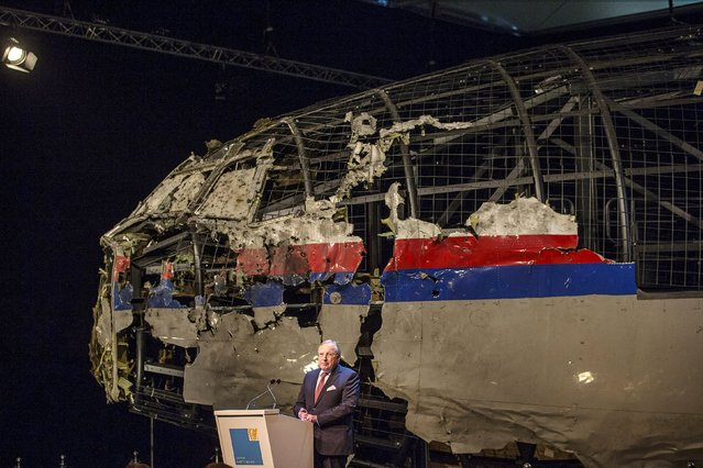 Tjibbe Joustra, chairman of the Dutch Safety Board, presents the final report into the crash of July 2014 of Malaysia Airlines flight MH17 over Ukraine in Gilze Rijen, the Netherlands, October 13, 2015. (Photo by Michael Kooren/Reuters)