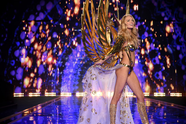 Victoria's Secret model Lindsay Ellingson walks the runway during the 2014 Victoria's Secret Fashion Show at Earl's Court exhibition centre on December 2, 2014 in London, England. (Photo by Dimitrios Kambouris/Getty Images for Victoria's Secret)