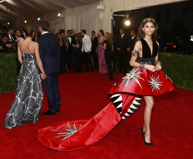 "U.S. actress Zendaya arrives for the Metropolitan Museum of Art Costume Institute Gala 2015 celebrating the opening of ""China: Through the Looking Glass"" in Manhattan, New York May 4, 2015. (Photo by Andrew Kelly/Reuters)"