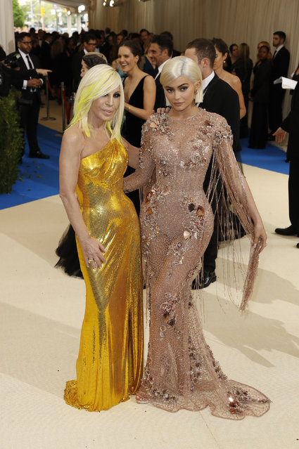 """Fashion designer Donatella Versace (L) and television personality Kylie Jenner attend """"Rei Kawakubo/Comme des Garcons: Art Of The In-Between"""" Costume Institute Gala – Arrivals at Metropolitan Museum of Art on May 1, 2017 in New York City. (Photo by Lucas Jackson/Reuters)"""