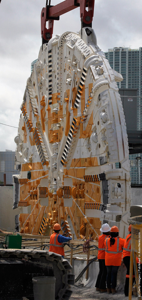 Tunnel-Boring Machine Lowered Into Place To Begin Miami Port Tunnel Dig