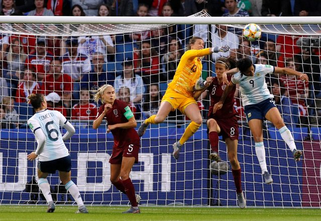England's Carly Telford and Jill Scott in action with Argentina's Sole Jaimes during the 2019 FIFA Women's World Cup France group D match between England and Argentina at on June 14, 2019 in Le Havre, France. (Photo by Phil Noble/Reuters)