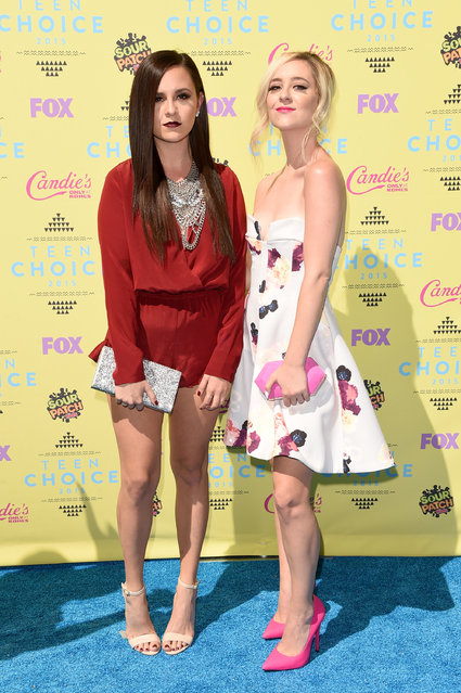 Singers Megan Mace (L) and Liz Mace of Meg & Liz attend the Teen Choice Awards 2015 at the USC Galen Center on August 16, 2015 in Los Angeles, California. (Photo by Jason Merritt/Getty Images)