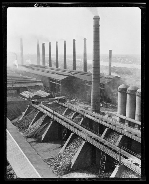 Hangyang Iron Works. China, Hankou (Wuhan), 1917-1919. (Photo by Sidney David Gamble)