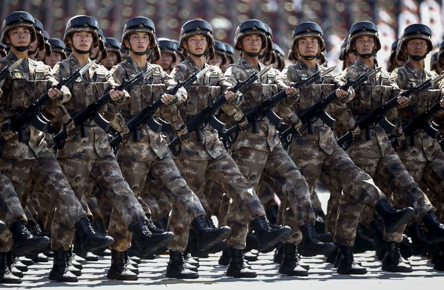 Chinese troops march during the military parade marking the 70th anniversary of the end of World War Two, in Beijing, China, September 3, 2015. (Photo by Rolex Dela Pena/Reuters)
