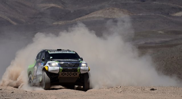 Toyota driver Yazeed Alrajhi of Saudi Arabia drives during the 4th stage of the Dakar Rally 2015, from Chilecito to Copiapo January 7, 2015. (Photo by Franck Fife/Reuters)