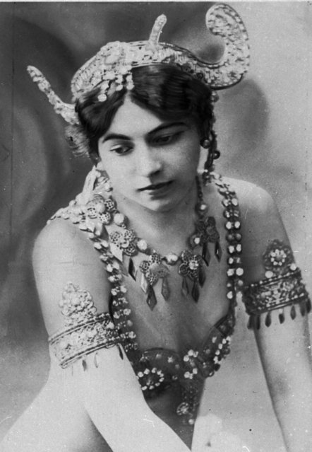 "An undated photo of dancer ""Mata Hari"". Born Margaretha Zelle who was executed during World War I for being a spy. A century ago, on October 15, 1917, an exotic dancer named Mata Hari was executed by a French firing squad, condemned as a sultry Dutch double agent who supposedly led tens of thousands of soldiers to their death during World War I. (Photo by Virginia Mayo/AP Photo)"