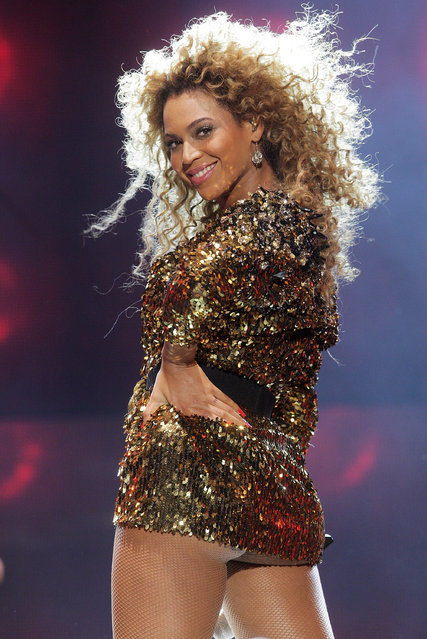 Beyonce Knowles performs at the Glastonbury Festival at Worthy Farm, Pilton on June 26, 2011 in Glastonbury, England. (Photo by Dave Hogan/Getty Images)