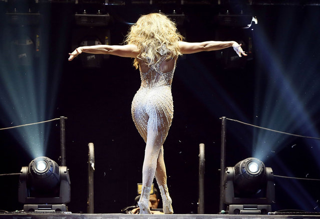 US actress and singer Jennifer Lopez, Aka JLo, performs on stage on October 16, 2012 at the Bercy (POPB) concert hall. (Photo by Kenzo Tribouillard/AFP Photo)