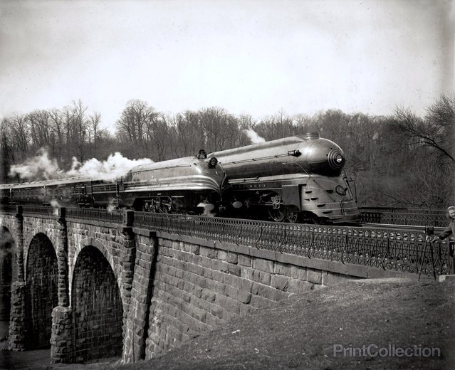 Streamlined Locomotives on the B&O railroad around Washington DC. Photographed by harris & Ewing in 1938.