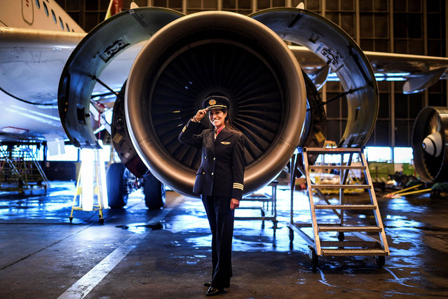 Ana Sousa, 45, TAP Air Portugal pilot for 11 years, poses for a portrait at a TAP hangar in Lisbon, Spain on February 28, 2018. (Photo by Patricia de Melo Moreira/AFP Photo)