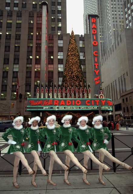 The Rockettes perform part of their Christmas show outside Radio City Music Hall in New York City on November 17, 1998. (Photo by Linda Cataffo/Getty Images)