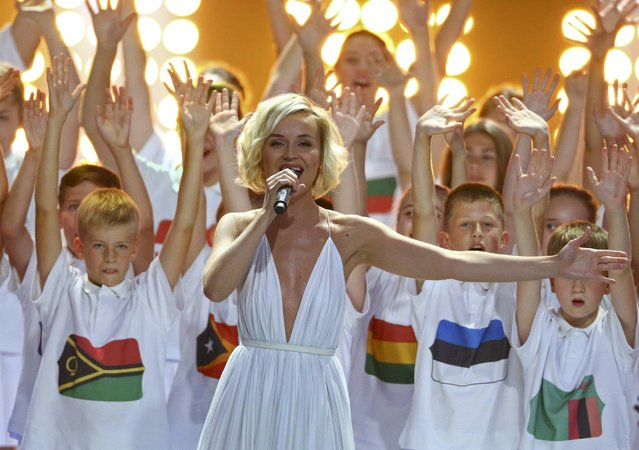 Artist Polina Gagarina performs during the preliminary draw for the 2018 FIFA World Cup at Konstantin Palace in St. Petersburg, Russia July 25, 2015. (Photo by Reuters/Stringer)