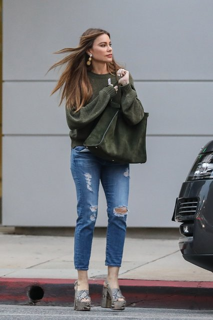 Sofia Vergara looks elegant in green after a trip to a nail salon in Beverly Hills, CA on January 20, 2020. The 'Modern Family' actress looked effortlessly chic in a dark green top and figure-skimming jeans. (Photo by Backgrid USA)