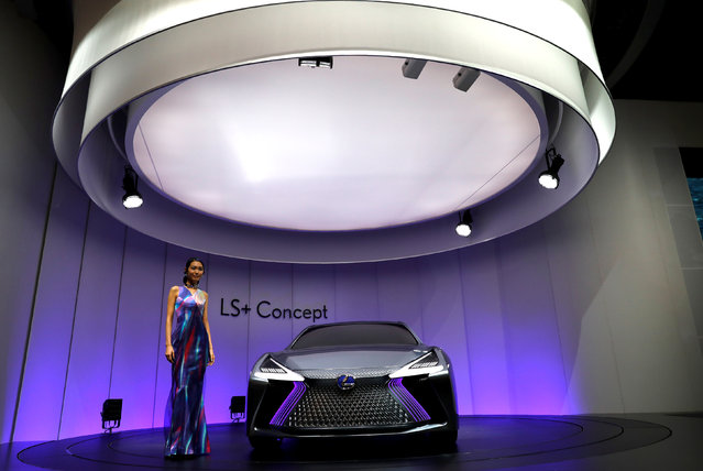 A model presents Lexus LS+ Concept during media preview of the 45th Tokyo Motor Show in Tokyo, Japan on October 25, 2017. (Photo by Kim Kyung-Hoon/Reuters)