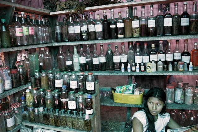 Peru, Iquitos. Traditional medicine merchant on April 2005. (Photo by Jean-Claude Coutausse)