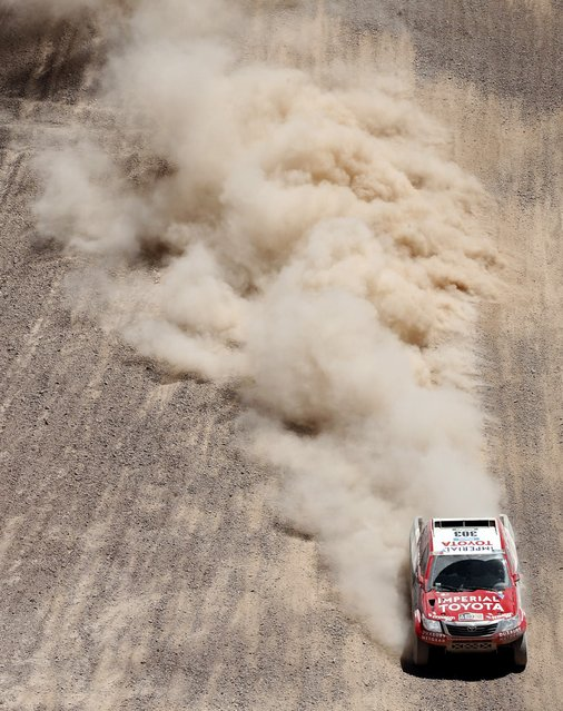 Toyota driver Giniel De Villiers of South Africa drives during the fifth stage of the Dakar Rally 2015, from Copiapo to Antofagasta, January 8, 2015. (Photo by Jean-Paul Pelissier/Reuters)