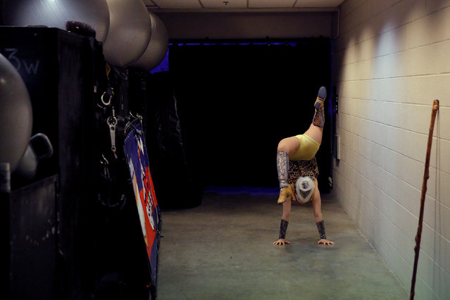 """A performer warms up backstage for Ringling Bros and Barnum & Bailey Circus' """"Circus Extreme"""" show at the Mohegan Sun Arena at Casey Plaza in Wilkes-Barre, Pennsylvania, U.S., April 30, 2016. (Photo by Andrew Kelly/Reuters)"""