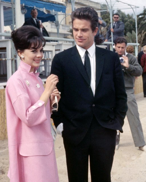 Actors Warren Beatty and Natalie Wood attend the Cannes Film Festival, May 14, 1962. (Photo by Silver Screen Collection/Getty Images)