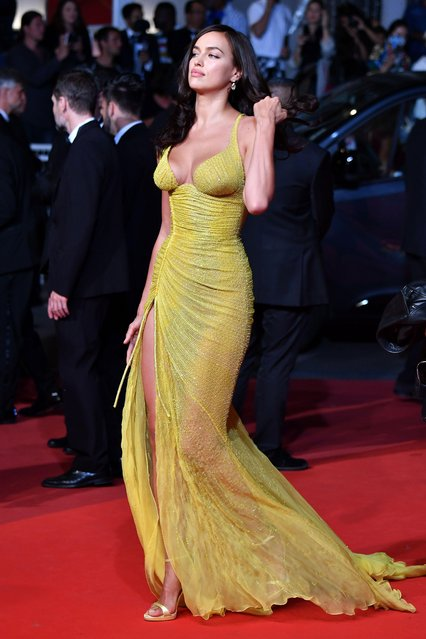 """Irina Shayk attends the """"Hikari (Radiance)"""" screening during the 70th annual Cannes Film Festival at Palais des Festivals on May 23, 2017 in Cannes, France. (Photo by Pascal Le Segretain/Getty Images)"""