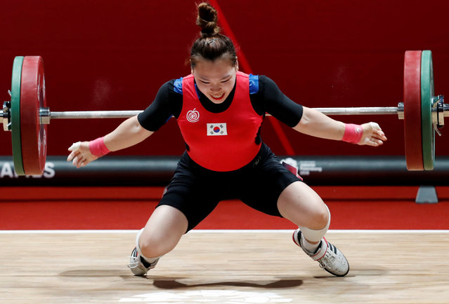 South Korea' s Eunji Ham during the women' s 58 kg weightlifting at the 18 th Asian Games in Jakarta, Indonesia, Thursday, August 23, 2018. (Photo by Reuters/Beawiharta)