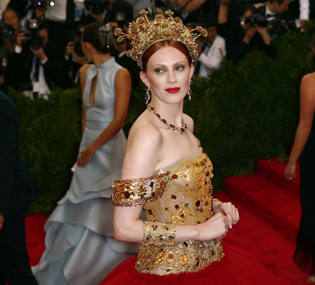"Former model Karen Elson arrives at the Metropolitan Museum of Art Costume Institute Gala 2015 celebrating the opening of ""China: Through the Looking Glass"" in Manhattan, New York May 4, 2015. (Photo by Lucas Jackson/Reuters)"