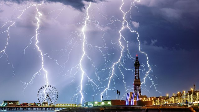 Capturing this picture of lightning striking near Blackpool Tower has earned Stephen Cheatley the UK Weather Photographer of the Year award 2018. (Photo by Stephen Cheatley/Bav Media)