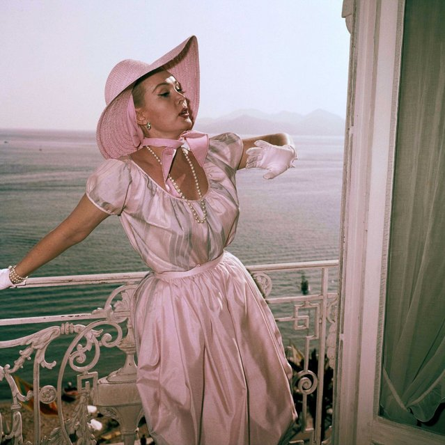 Actress Zsa Zsa Gabor poses on a balcony at the International Cannes Film Festival in Cannes, France, May 1959. (Photo by SIPA Press/AP Images)