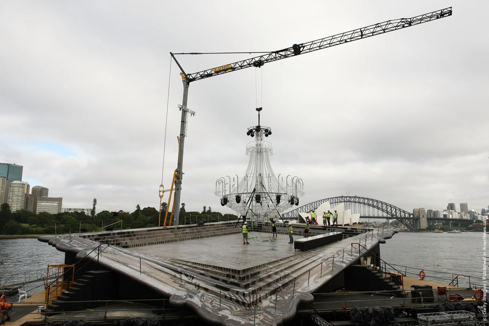 La Traviata Chandelier Installed in Sydney Harbour