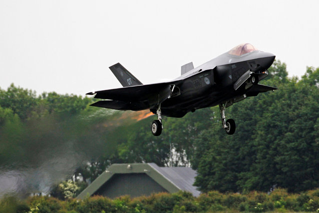 An F-35A fighter jet takes off during an international air show in Leeuwarden, the Netherlands, June 11, 2016. (Photo by Marco Ferrageau/Reuters)