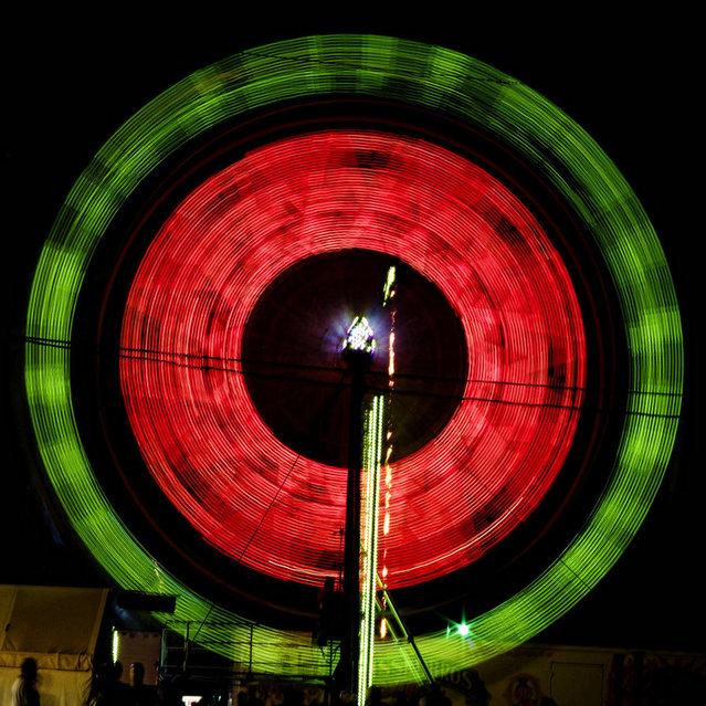 Long Exposure Photos Of Ferris Wheels