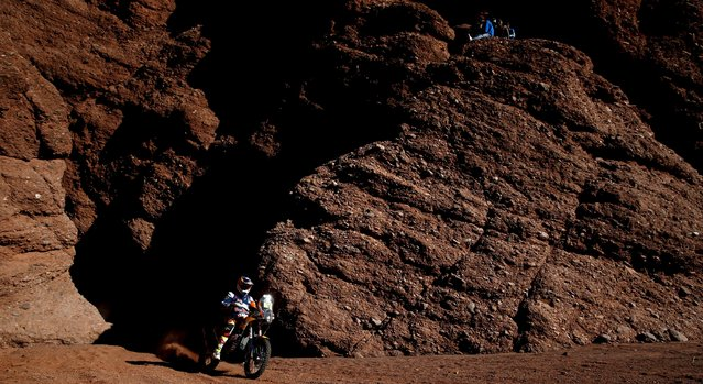 Toby Price of Australia rides his KTM during the eighth stage in the Dakar Rally 2016 near Cafayate, Argentina, January 11, 2016. (Photo by Marcos Brindicci/Reuters)