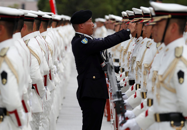 Members of Japan's Self-Defence Forces' honour guard attend a welcoming ceremony for Indian Defence Minister Rajnath Singh at the Defence Ministry in Tokyo, Japan on September 2, 2019. (Photo by Issei Kato/Reuters)