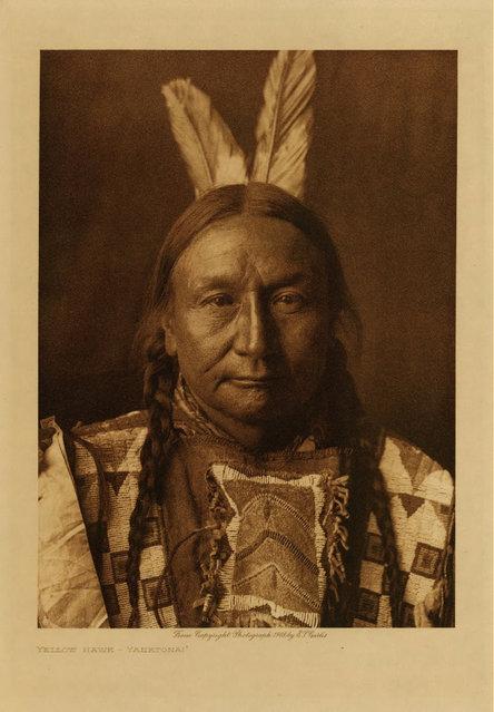 Yellow Hawk, a Yanktonai, in 1908. (Photo by Edward S. Curtis)