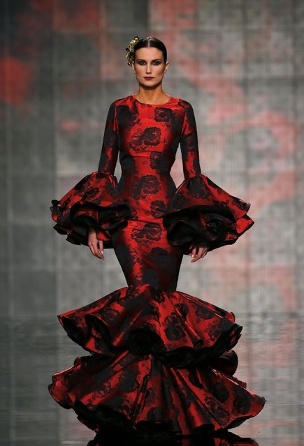 A model presents a creation by Vicky Martin Berrocal during the International Flamenco Fashion Show SIMOF in the Andalusian capital of Seville February 5, 2015. (Photo by Marcelo del Pozo/Reuters)
