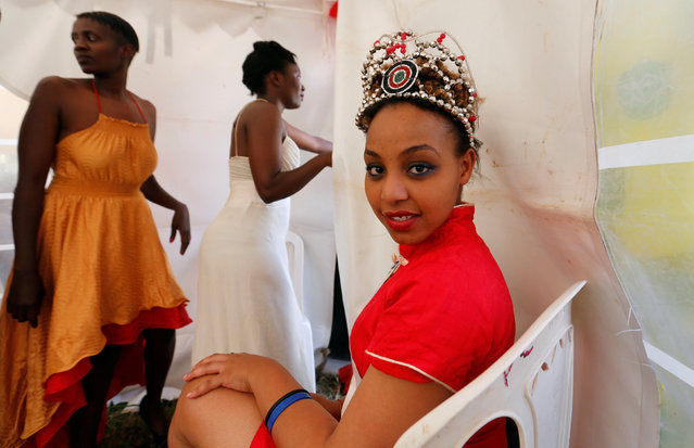 """Miss Langata Prison 2016 Ruth Kamande poses for a photograph as female inmates prepare for a fashion parade as part of Valentine's Day celebration, dubbed """"love behind bars"""" inside the Langata Women Maximum Security Prison in Kenya's capital Nairobi, February 14, 2017. (Photo by Thomas Mukoya/Reuters)"""