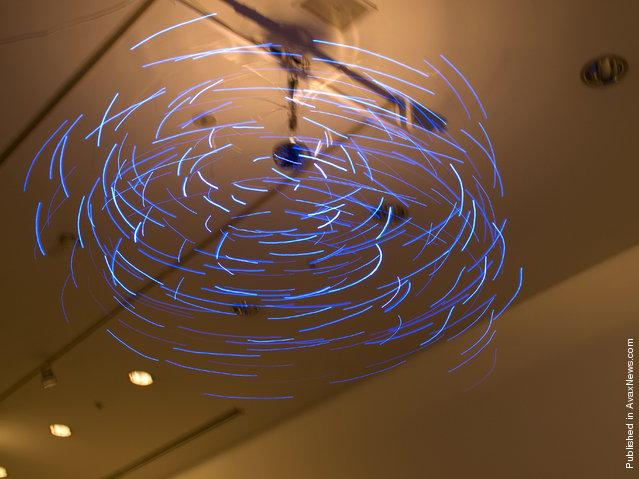 Makoto Tojiki's Light Sculptures