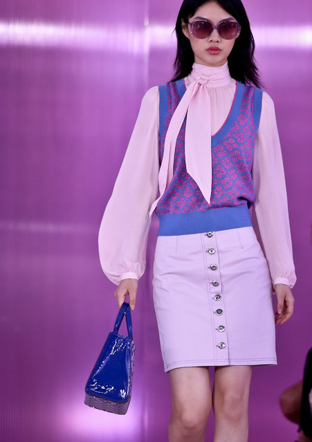 Fashion from the Kate Spade collection is modeled during Fashion Week, Friday September 7, 2018 in New York. (Photo by Bebeto Matthews/AP Photo)
