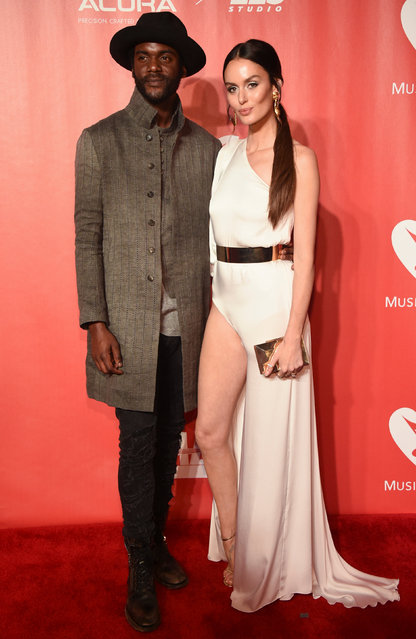 Gary Clark Jr. (L) and Nicole Trunfio attend the 2017 MusiCares event in Los Angeles, California, U.S., February 10, 2017. (Photo by Phil McCarten/Reuters)