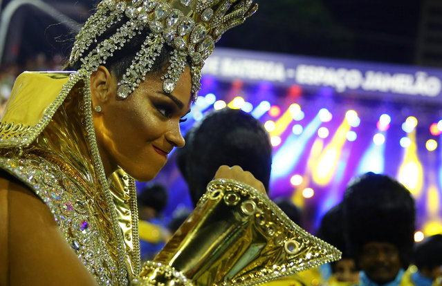 Drum queen Juliana Alves from Unidos da Tijuca samba school performs during the second night of the carnival parade at the Sambadrome in Rio de Janeiro, Brazil February 28, 2017. (Photo by Pilar Olivares/Reuters)